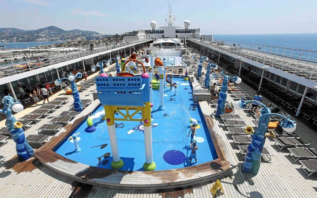 El puerto de Ibiza bate su récord de llegada de cruceristas